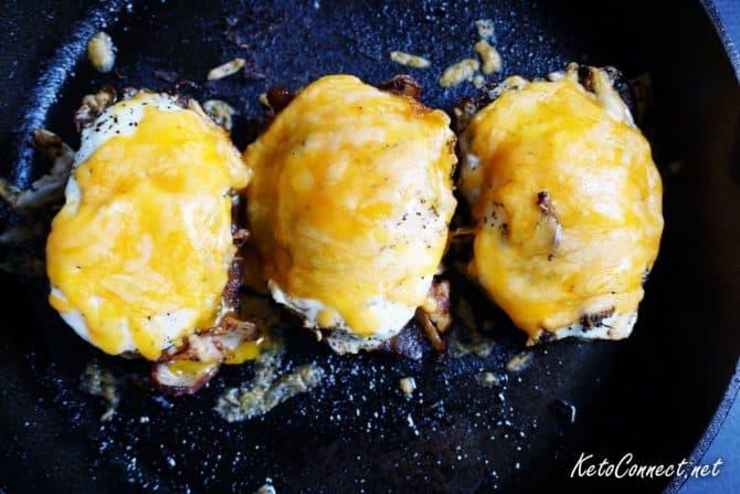 low-carb-breakfast-sandwich-overhead