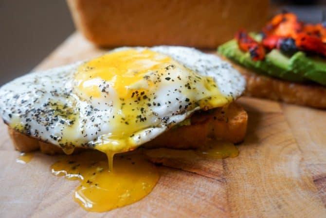 keto toast egg broken