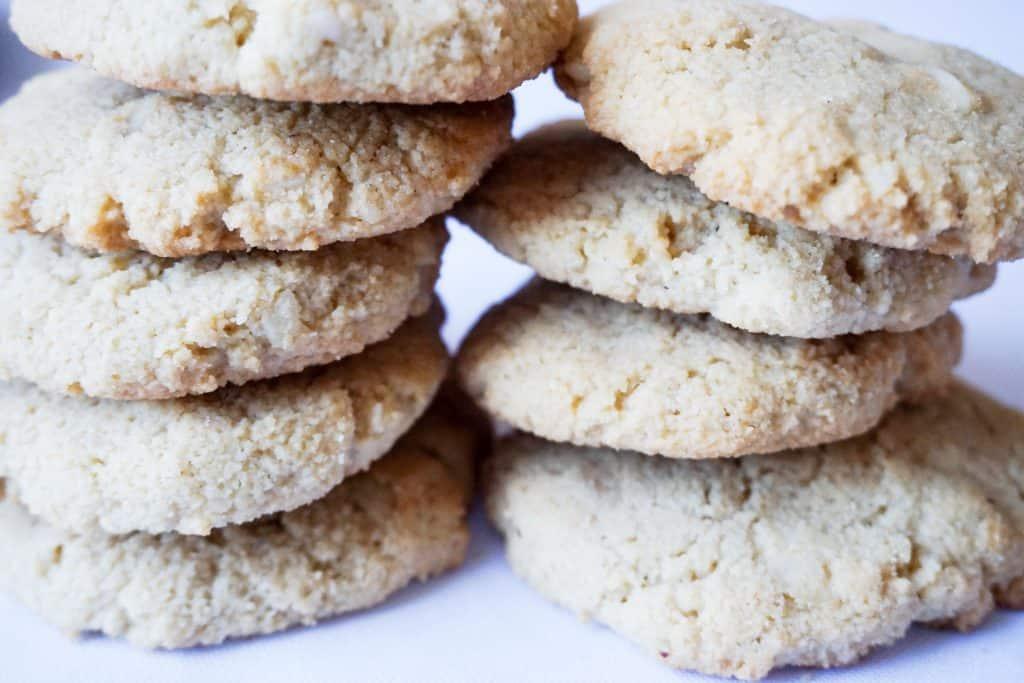 macadamia nut cookies final horizontal